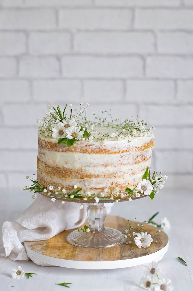 15 Small Wedding Cake Ideas That Are Big on Style A Practical